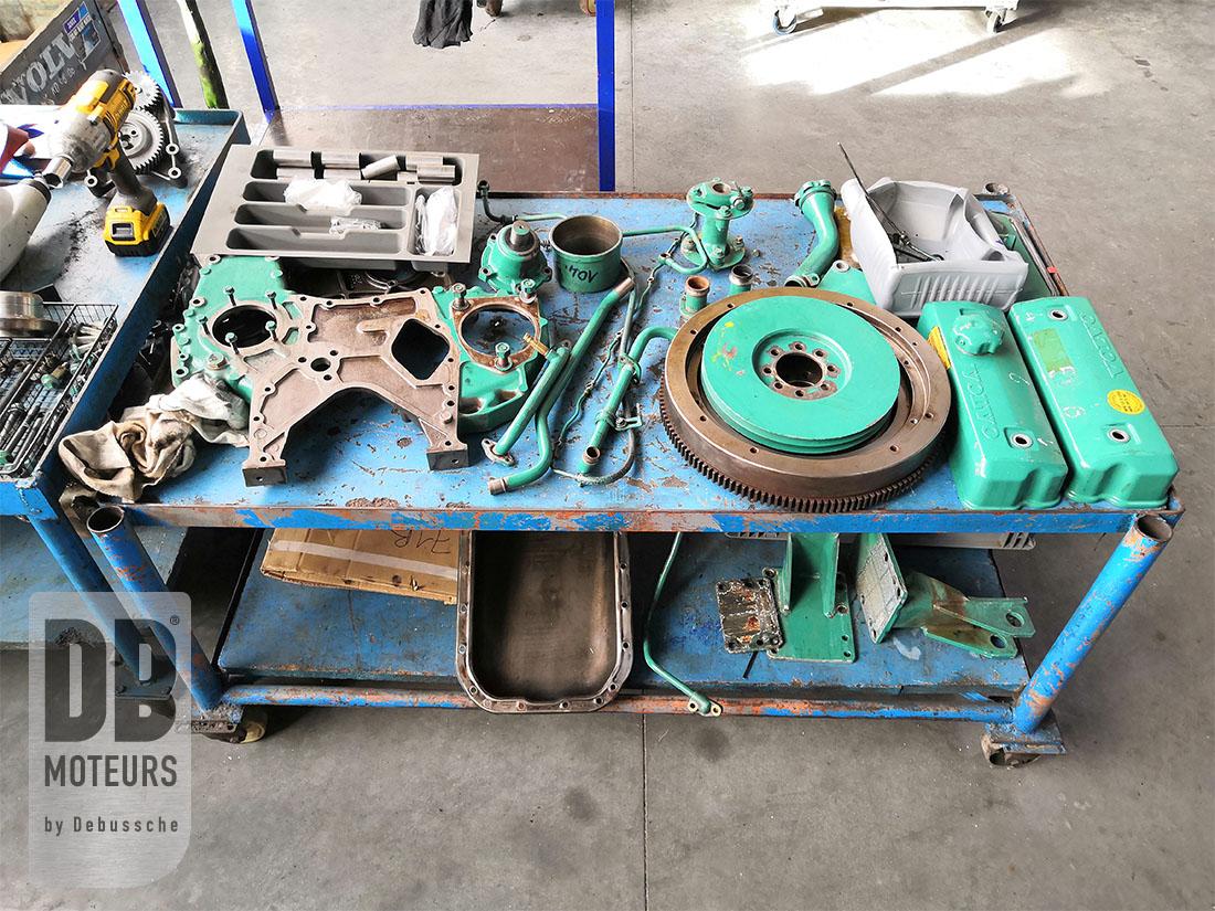 reconstruction moteur diesel marin