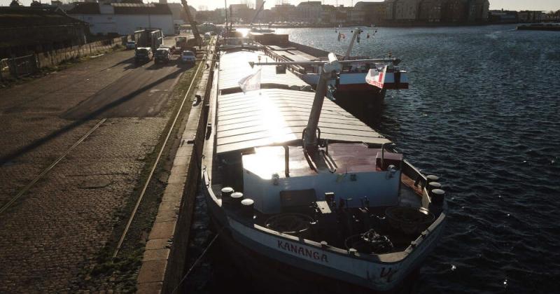 peniche transport fluvial remotorisation